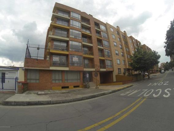 Apartamento En Venta En Mazuren 19-711 C.o