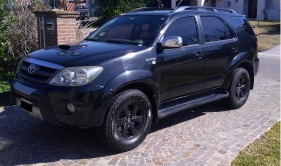 Toyota Hilux Sw4 4x4 Srv 3.0 At Cuero 5 Asientos