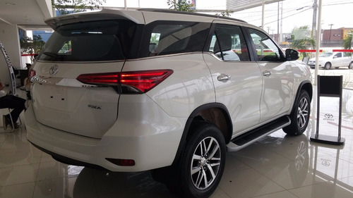 Sucata Toyota Hilux Sw4 2017 Peças Motor E Lata