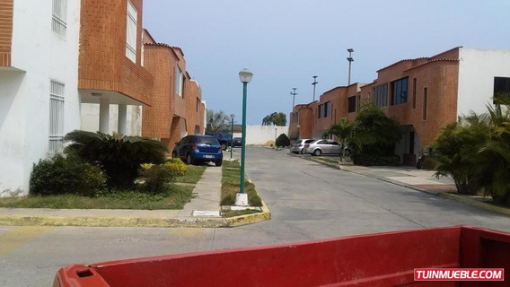 Townhouse Venta Pto. Cabello Pt 19-9094 Tlf 0412-043.04.39