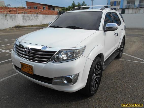 Toyota Fortuner Urbana 2.7 4x2 At