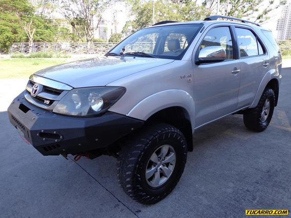 Toyota Fortuner Limited 4x4 Automático