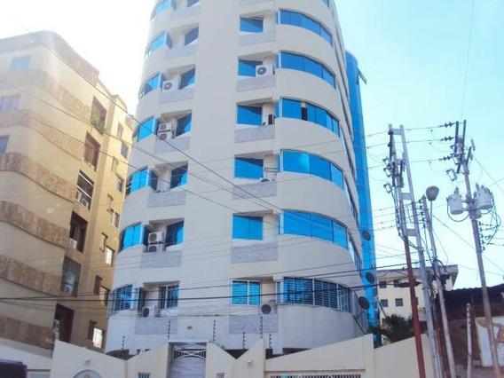 Apartamento Urb El Bosque, Maracay Las Delicias/ 20-621 Wjo