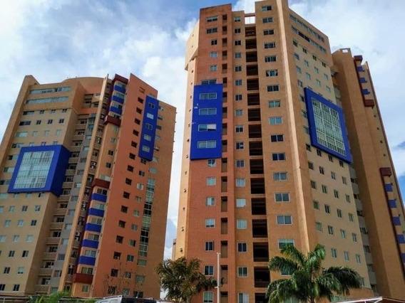 Apartamento En Venta La Trigaleña, Valencia Cod 20-678 Ddr
