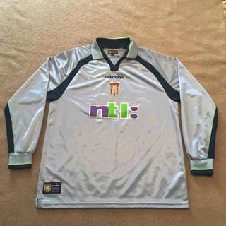 Camisa Aston Villa 2001/2002 Away - Diadora