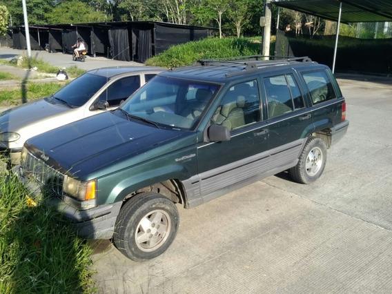 Jeep Cherokee Laredo 95 5.200 1996