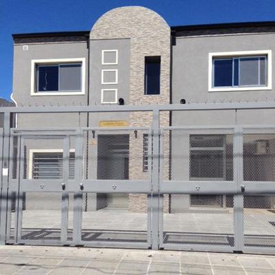Departamento En Alquiler Tipo Duplex En Campana Centro. 2 Dormitorios. Primer Piso Escalera. Garage