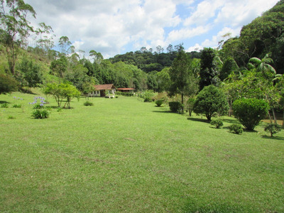 Belo Sitio/sede/piscina/lagos/plano/venda/locação/ref: 04764