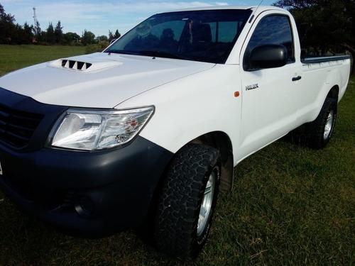Toyota Hilux Cabina Simple 4x4