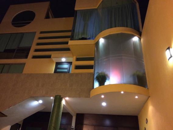 Casa De 4 Pisos Y Comoda A 2 Min De Angelopolis