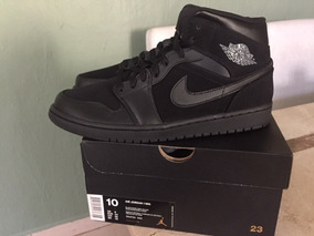 Nike Air Jordan Retro 1 Black