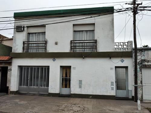 Casa Interna De Dos Dormitorios Con Jardin Y Terraza- Zona Oeste