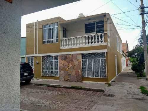 Casa En Venta En Fracc. Jardines De La Cruz