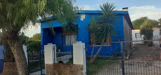 Casa 2 Dormitorios, Livingcomedor, Cocina, Estufa, Churrasq