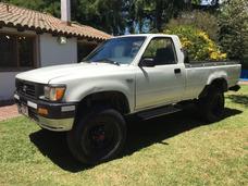 Toyota Hilux 2.8 S/cab 4x4 D $ 185000