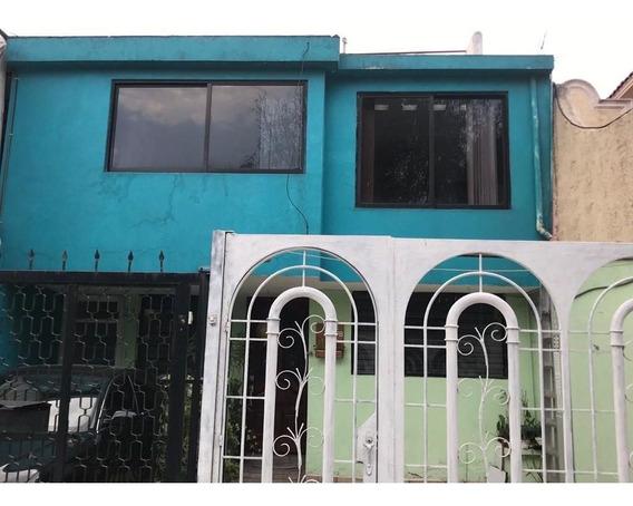 Casa En Venta En Valle De Los Pinos, Tlalnepantla Rdv-3944