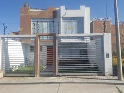 2 Pisos,3 Habitaciones Con Baño Completo C/u, 2 Cocheras