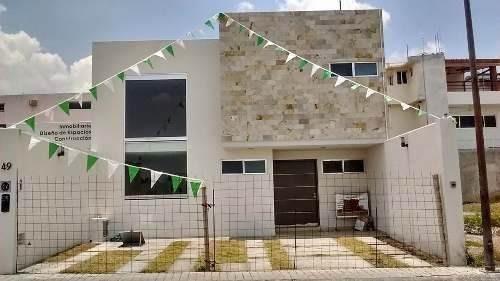 Se Vende Hermosa Casa En Milenio Iii, Con Acabados De Lujo--
