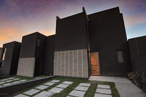 Casa En Venta En El Refugio, Queretaro, Rah-mx-19-950