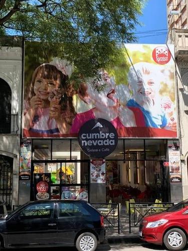 Imagen 1 de 10 de Local Comercial Sobre Avenida Pellegrini