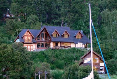 Atractiva Y Hermosa Casa Con Costa De Lago