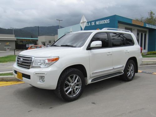 Toyota Land Cruiser 200 4.5 Vxr