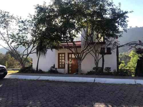Hermosa Casa En Venta Enfrente Del Campo De Golf, Cañadas.