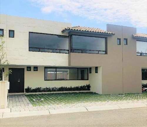 Casa En Fraccionamiento Valle De Las Fuentes (calimaya).
