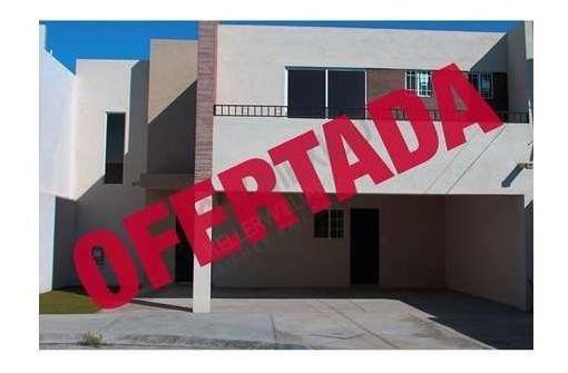 En Venta Casa En Fraccionamiento Cerrado Al Sureste De Ramos Arizpe.