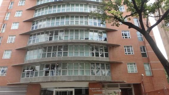 Cr Apartamentos En Ventas. Urb El Rosal Mls 20-8634