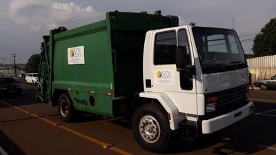 Caminhão Compactador De Lixo Ford 1717 2005