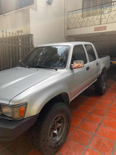 Toyota Hilux 1999 2.4l 117 Hp 4x4