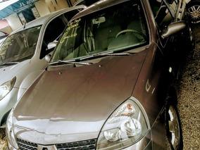 Renault Clio Sedan 2006 - Completo 1.0 16v Authentique 4p
