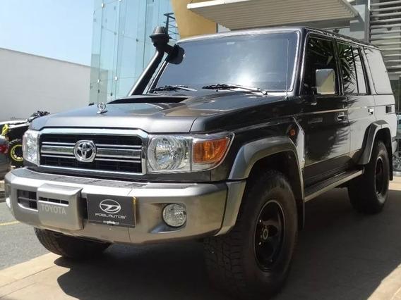 Toyota Land Cruiser Lx V8