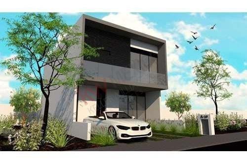 Hermosa Casa En Condominio Taray Royal Club Residencial, Excelente Ubicación, Cuenta Con Increíbles Amenidades