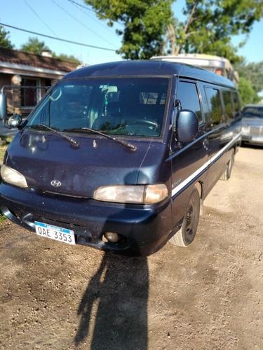 Hyundai H100 2.5 15 Pasajeros