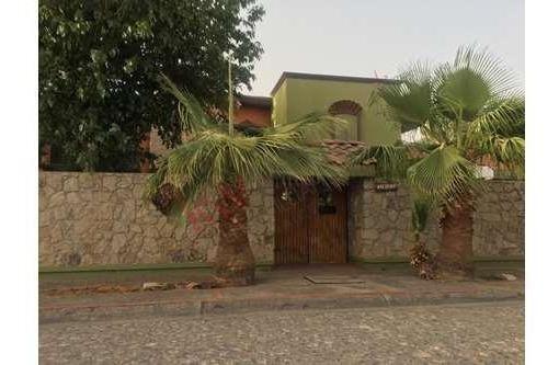 Casa A En Venta En Fraccionamiento Rincones De San Marcos Zona Gomez Morin