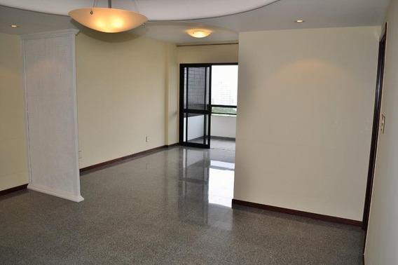 Apartamento, 4 Quartos, Sendo 2 Suítes, Andar Alto, Pituba. - Ap0402