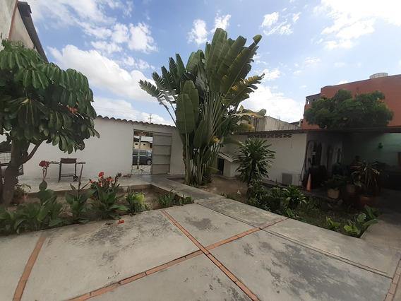 Casa Comercial En Venta Cabudare Centro 20-9904 Jm4145717884