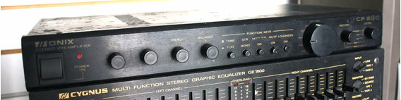 Pré-amplificador Unic Cp800