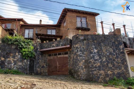 Residencia En Venta En Pátzcuaro Con Vista Al Lago