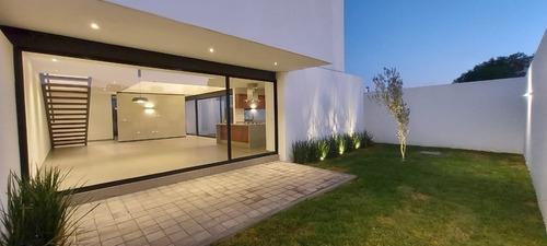 Imagen 1 de 12 de Preciosa Residencia En Grand Juriquilla, Jardín, Doble Altur