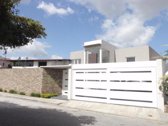 Emily Peñaloza Vende Casa En Macaracuay Mls #17-239