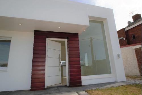 Casa En Venta De 2 Dormitorios En Ciudad De La Costa