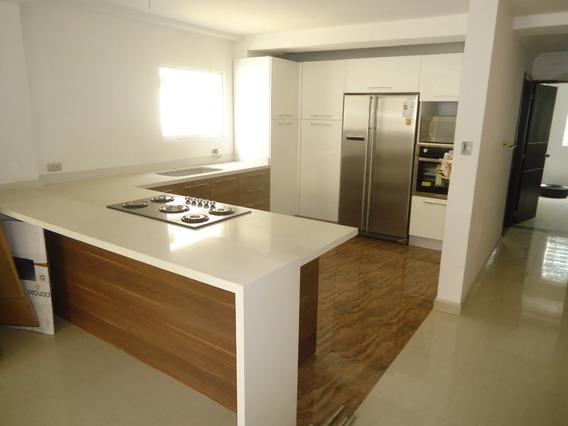 Casa En Barrio Sucre 04128901630