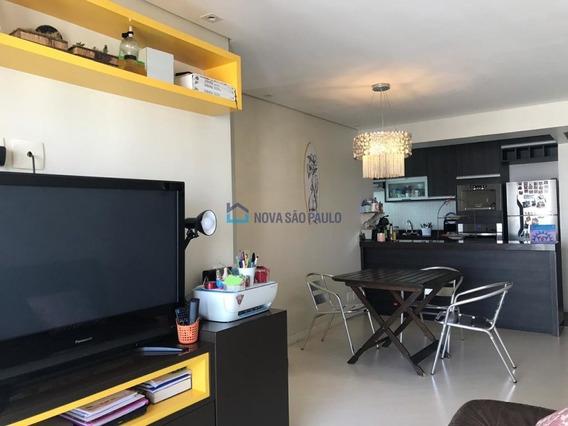 Apartamento 2 Dormitórios, 2 Vagas. Impecável! - Bi25597