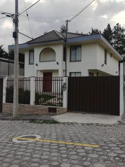 Vendo Hermosa Casa De 195 M2 En Urb. Privada