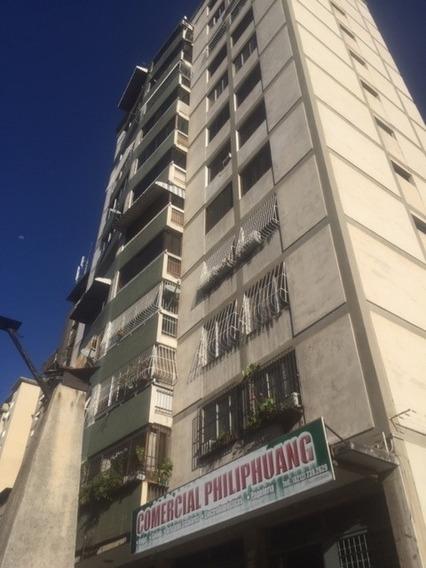 Bello Apartamento De 80 Mts Con Espectacular Vista Al Avila