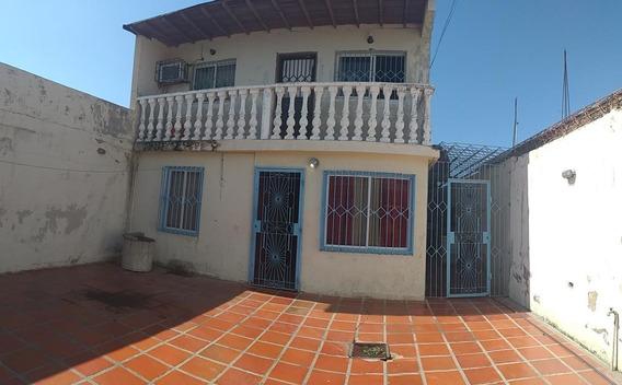 Acodedora Casa En Venta En Intercomunal Coro- La Vela