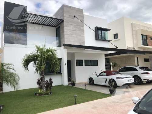 Casa En Venta En Lagos Del Sol Cancun